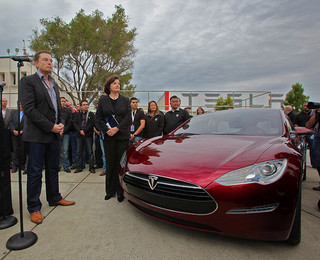 As Elon Musk announces impressive Q2 results, Tesla Motors are reported to be considering 4WD models.
