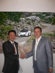 Naoto Noguchi, President of Panasonic Energy Company, with Elon Musk, CEO of Tesla Motors.