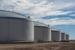 Abengoa solar thermal energy storage systems having proved successful in the US, the company is now marketing standalone molten salt storage systems as a replacement to gas peaker plants.