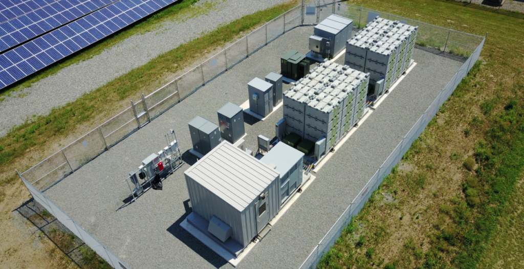 The 1MWh Eos Aurora system installed by Advanced Solar Products for PSE&G's Caldwell Wastewater Treatment Plant solar project (Photo: Eos Energy Storage).