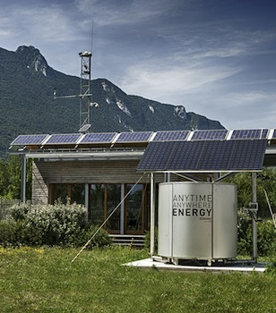 We review the energy storage investment opportunities offered by startups at KIC InnoEnergy Business Booster Barcelona – including Atawey, which has developed a hydrogen fuel cell system targeted at mobile base stations with McPhy Energy.